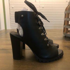 Simply Vera Vera Wang Peep Toe Boots